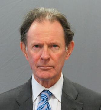 Photo of Dr Iain Murray-Lyon