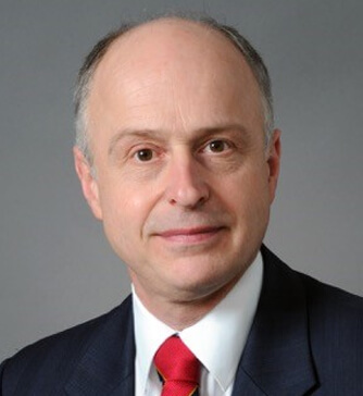 Photo of Professor Justin Vale